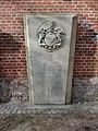 Itzehoe Grabplatte an der Laurentius-Kirche DSC01678.JPG