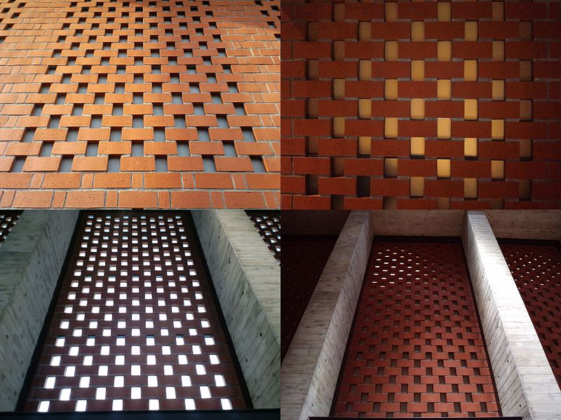 File:Iwamizawa-sta openwork-laying-brick-wall digest.jpg