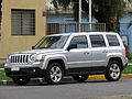 Jeep Patriot 2.4 Sport 2013 (14643360453).jpg