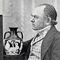 John Doubleday with the Portland Vase (square crop).jpg