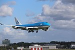 KLM Boeing 747-400 PH-BFS landing at EHAM 06.jpg