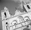 Kana. Westgevel van de Rooms-Katholieke Bruiloftskerk met in het midden een beel, Bestanddeelnr 255-0094.jpg