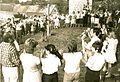 Kapellendorf 1988-09-01 Setzen der japanischen Friedenssäule.jpg