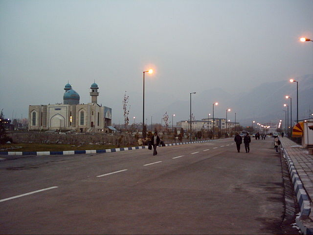 Karaj Azad University by https://fa.wikipedia.org/wiki/User:Pastorals2007 via https://en.wikipedia.org/wiki/File:Karaj_Azad_University_2.jpg