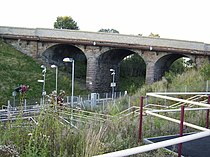 Kelvindale railway station in 2007.jpg