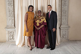 Olubanke King Akerele - U.S. PresidentBarack Obama and First Lady Michelle Obama at the Metropolitan Museum with Olubanke King Akerele in 2009.