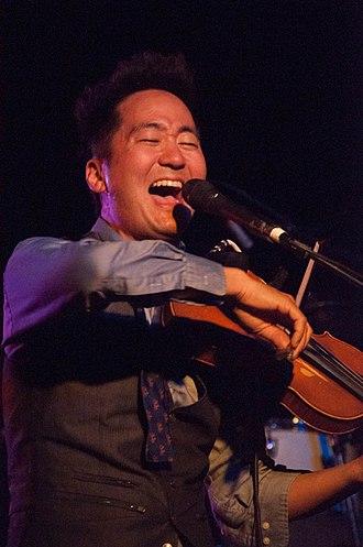 Kishi Bashi - Kishi Bashi performing in 2015