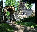 Klein-Glienicke Klosterhof Eingangslaube.jpg