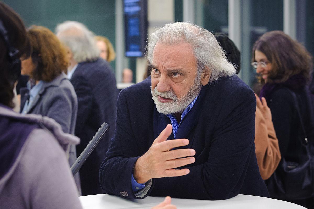 Konstantinos Tsoukalas.jpg