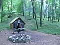 Kunyhó a Kánya forrásnál - panoramio.jpg