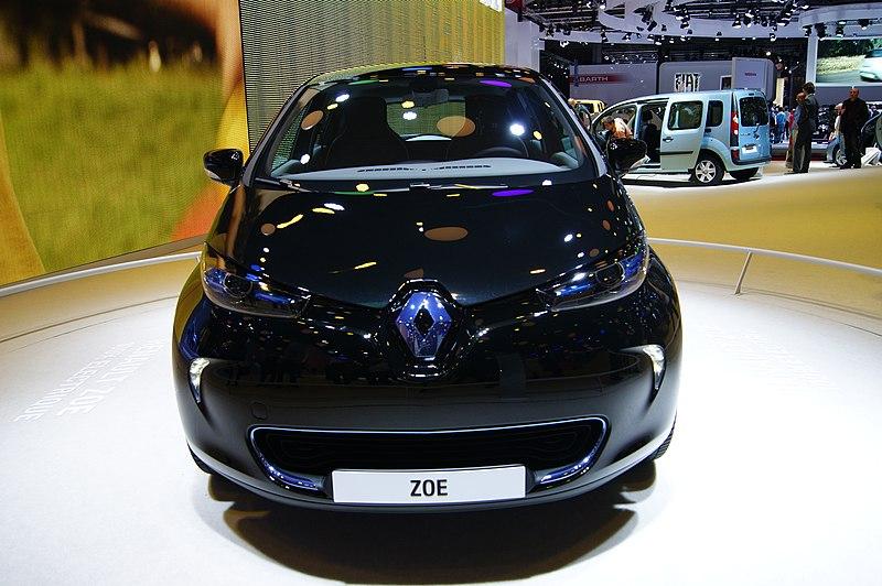 voitures électrique, renault ZOE, borne, écologie