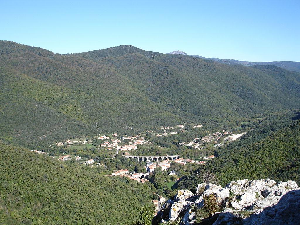 Lapradelle vue du château de Puilaurens