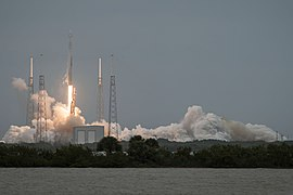Launch of Falcon 9 carrying CRS-3 Dragon (16763164186).jpg
