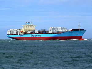 Laust Maersk p03 approaching Port of Rotterdam, Holland 14-Jul-2007.jpg