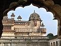 Le Jehangir Mahal (Orchha) (8451917148).jpg