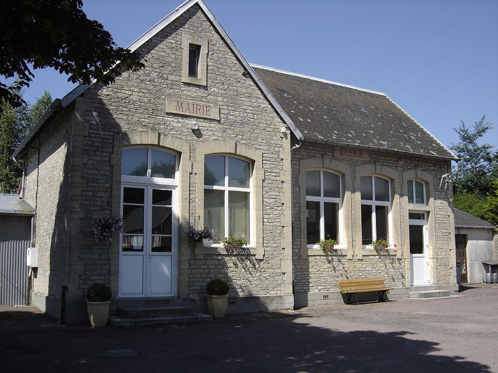 Le Manoir, mairie.JPG