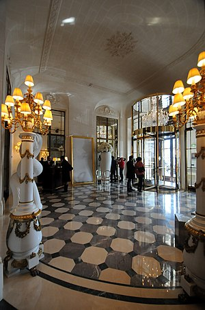 Palace (hotel) - Entrance to hôtel Meurice, an official palace hotel