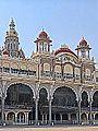 Le palais du Maharaja (Mysore, Inde) (14400280604).jpg