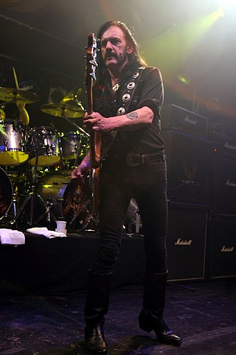 Lemmy performing in May 2005 Lemmy-04.jpg