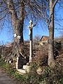 Libotyně - kříž na konci obce u silnice.JPG