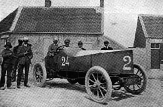 Gobron-Brillié - Louis Rigolly in his car which first exceeded 100 mph in 1904