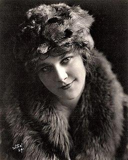 Louise Lovely Australian actress (1895–1980)