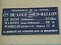 Lucé-sous-Ballon (Sarthe) plaque de cocher de la commune.jpg