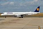 Lufthansa, D-AIRL, Airbus A321-131 (28389927812) (2).jpg