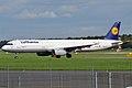 Lufthansa, D-AISF, Airbus A321-231 (15836880113).jpg