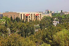 Роскошный дворец şadlıq sarayı, Sumqayıt.jpg