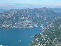 Lysefjordbrua fra Uburen.jpg