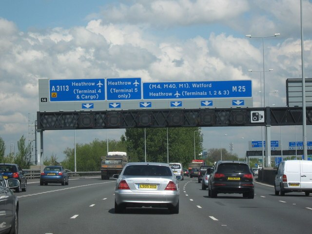 M25 Motorway Clockwise. Approaching Junction 14 For A3113 For Heathrow - geograph.org.uk - 1280493