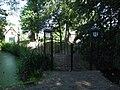 Maasland - begraafplaats hek.jpg