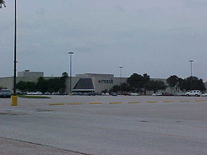 Greenspoint Mall - The former Macy's at Greenspoint Mall in Houston, Texas was a Foley's until 2006