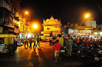 Manek Chowk (Ahmedabad) - Street food stalls at night