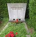 Manfred Niehaus -grave.jpg