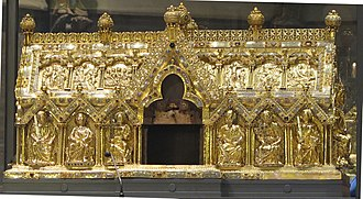 Marienschrein - The opened shrine during the Aachen pilgrimage (Heiligtumsfahrt)