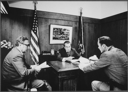 Kissinger and President Richard Nixon discussing the Vietnam situation in Camp David, 1972. Meeting at Camp David to discuss the Vietnam situation - NARA - 194466.tif