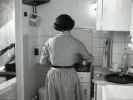 Bioscoopjournaal uit 1960 over woningen voor alleenstaanden aan de Jan Evertsenstraat in Amsterdam