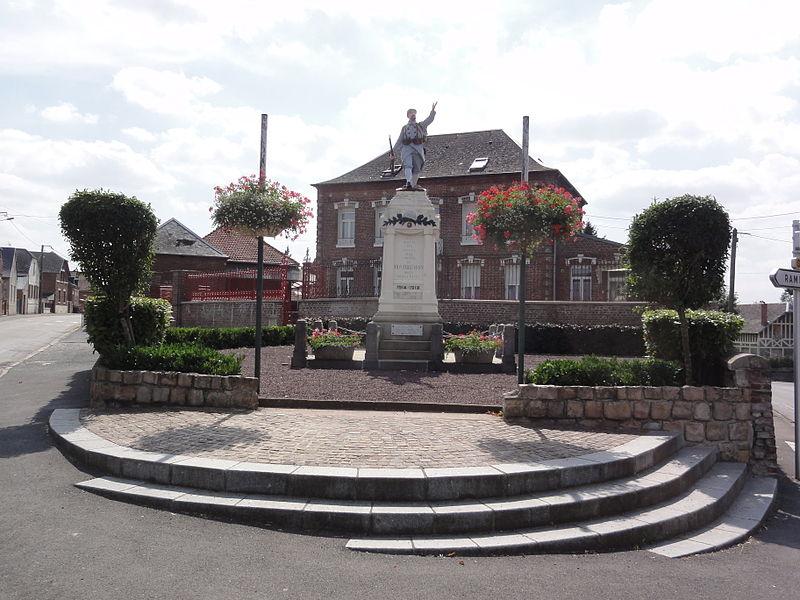 Montbrehain (Aisne) monument aux morts
