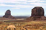 Monument Valley (14036438708).jpg