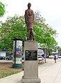 Monumento La Madre.jpg