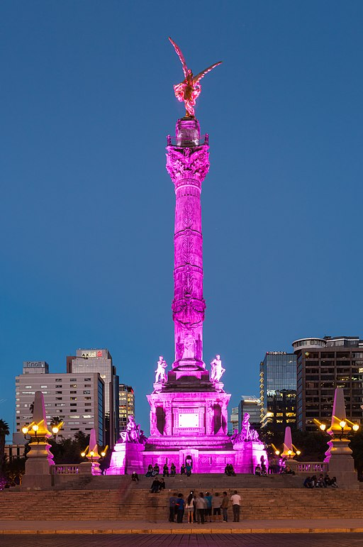 Monumento a la Independencia best mexico city hostels