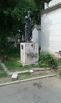 Monumentul funerar Victor Eftimiu şi A. Macri.jpg