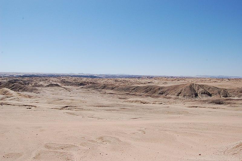 File:Moonlandscape, Namibia (3077390177).jpg