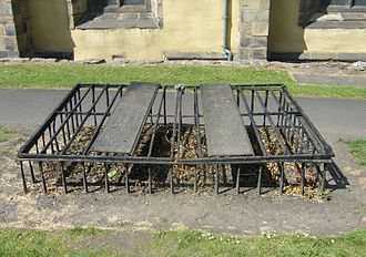 Body snatching - Mortsafe in Greyfriars Kirkyard, Edinburgh