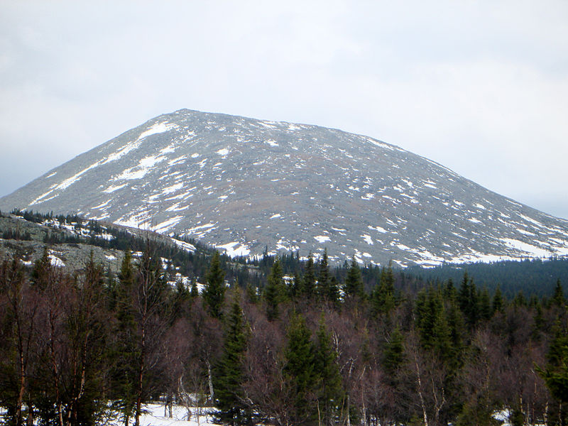 Великий Урал 800px-Mount_Iremel