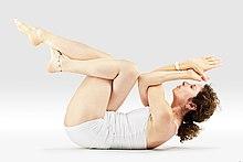 220px Mr yoga reclined garuda eagle pose yoga asanas Liste des exercices et position à pratiquer