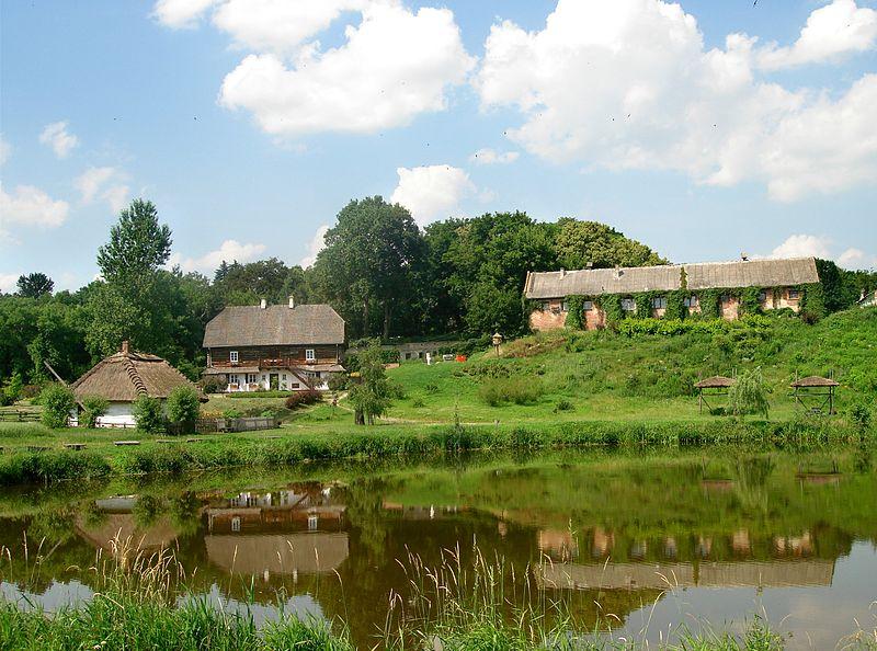 File:Muzeum Wsi Lubelskiej (Skansen).jpg