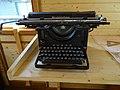 NNŽ, Legiovlak, štábní vůz, psací stroj Remington (01).jpg